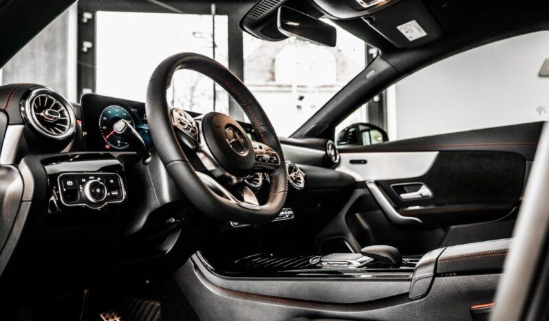 Mercedes-Benz CLA 200 kupé full
